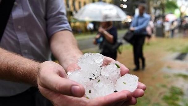 ФОТО: Безудержный буран в Брисбене в первый раз за 30 лет