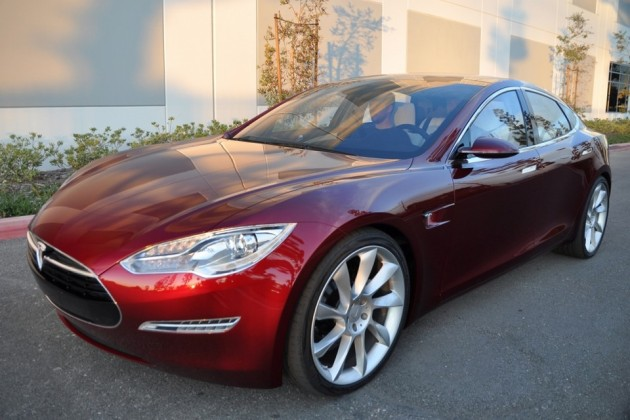 Tesla Model S стала лучшей машиной года