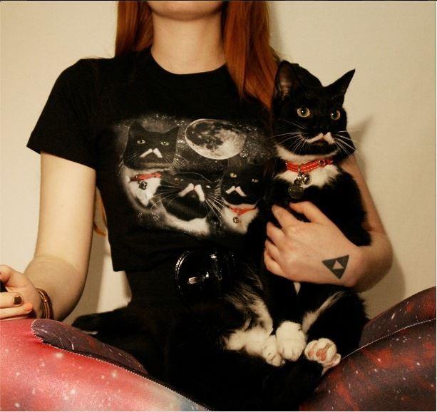 ФОТО: Похожий на Сталина кот из Норвегии рекламирует одежду