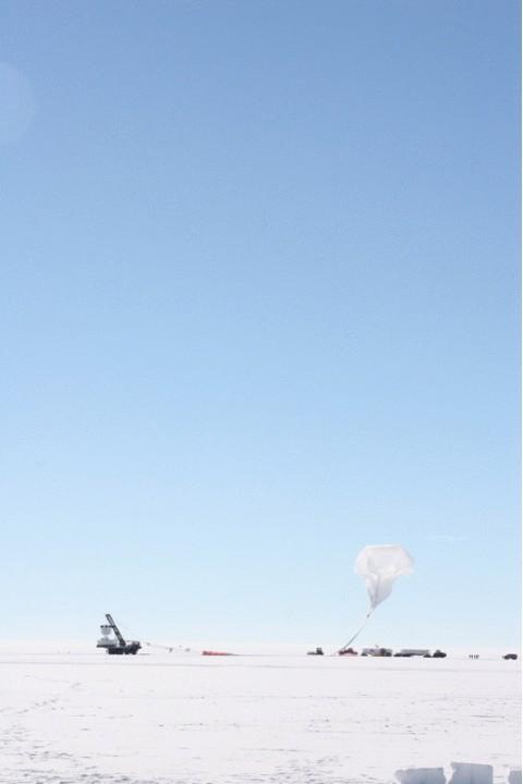 ФОТО: В Антарктике стартовали поиски следов Большого взрыва