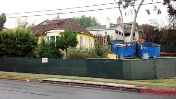 ФОТО: В США снесен дом писателя-фантаста Рэя Брэдбери