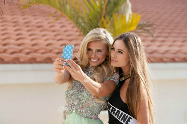 Фотосессия в купальниках на Мисс Вселенная 2014 (ФОТО)