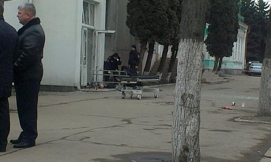 ФОТО: Взрыв в роддоме Ивано-Франковска: погиб волонтер