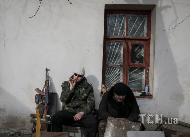 ФОТО: Жизнь бойцов сил АТО под Дебальцево