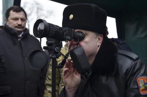 Перед перемирием Порошенко передал боевую технику на АТО