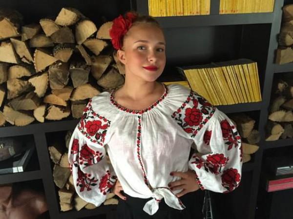 Панеттьери в вышиванке поздравила Кличко с Днем влюбленных