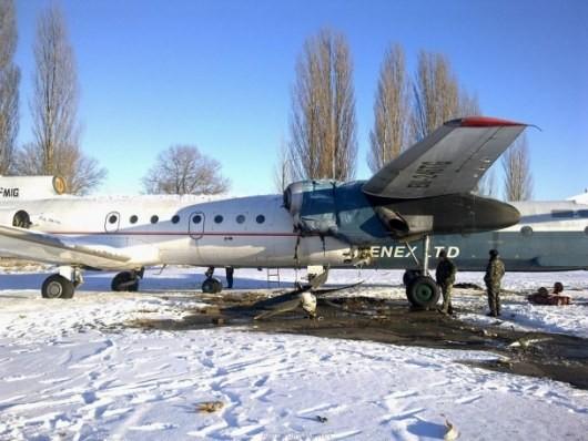 "ФОТО: В ""Борисполе"" столкнулись два самолета"