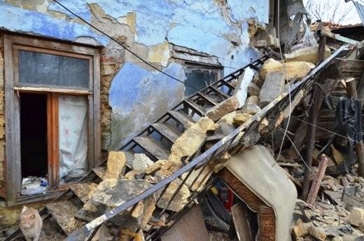 ФОТО:В Одессе жильцов обрушившегося дома поселят в гостиницы
