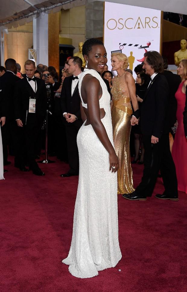Платье Люпиты Ньонго за 150 тысяч долларов украдено из отеля