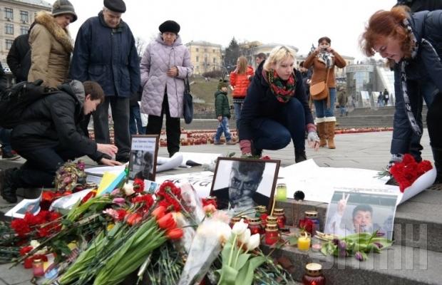 На Майдане проходит акция памяти Бориса Немцова (ФОТО+ВИДЕО)