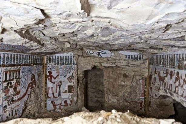 ФОТО: В Египте обнаружена 3500-летняя гробница