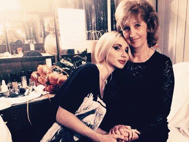Светлана Лобода публично поздравила маму с Днем рождения