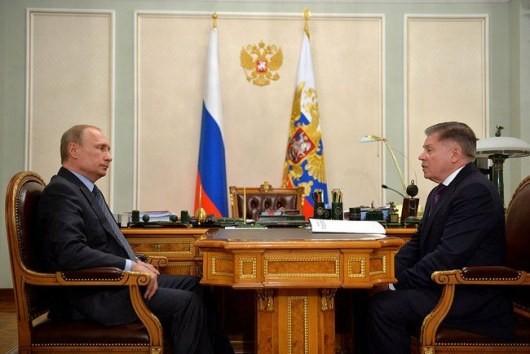 ФОТО: В РФ СМИ крутят в новостях старую фотосъемку Путина