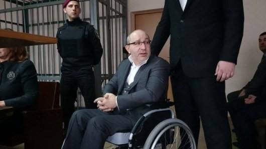 ФОТО: Харьковский суд перенес заседание по делу Кернеса