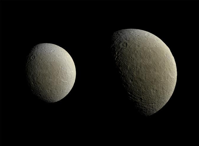 НАСА показало сверхчеткое фото ледяной луны Сатурна - Реи