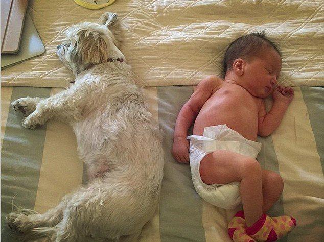 Фото новорожденной дочери Миллы Йовович