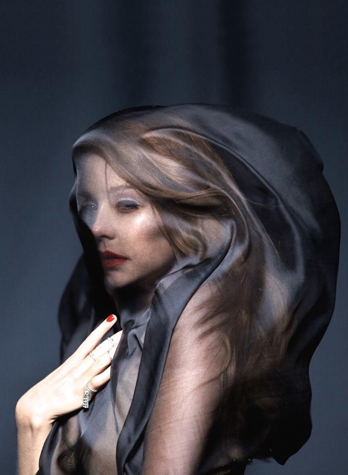 Готичная Тина Кароль снялась для Vogue