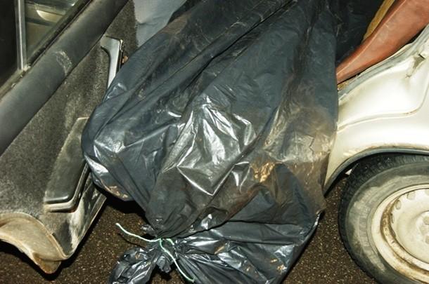 ФОТО: ГАИ нашла в остановленном автомобиле в Бердянске труп