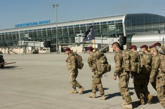 ФОТО: В Украину прибыли американские десантники
