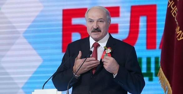 К 9 мая в Беларуси георгиевские ленточки заменят на цветы