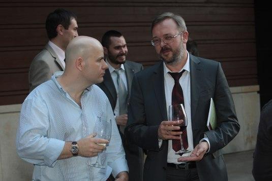 ФОТО:  Киселев угощает Порошенко и Бузину