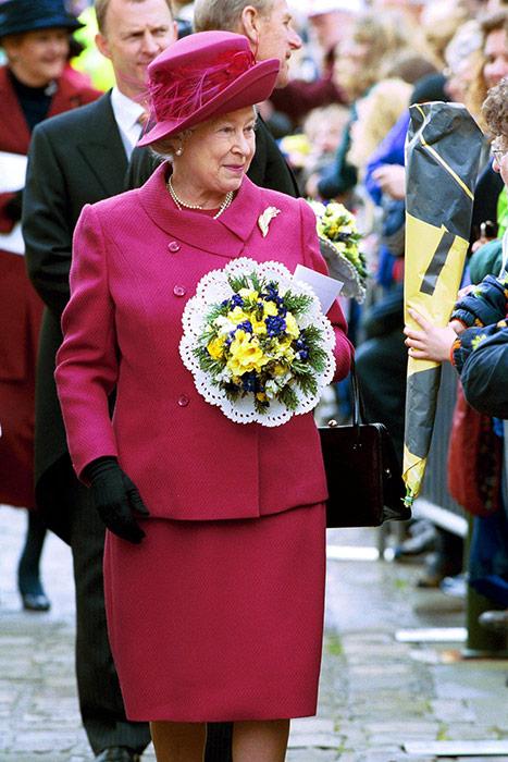 Королева Елизавета II принимает поздравления с днем рождения