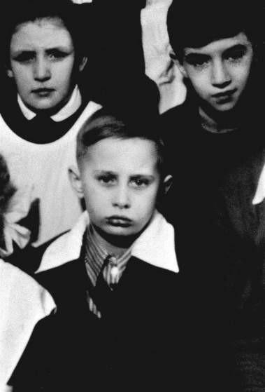 Time опубликовал фото Путина-школьника (ФОТО)