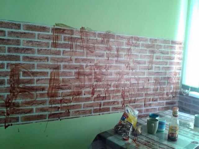 Как переселенцы из Крыма осквернили львовскую квартиру. ФОТО