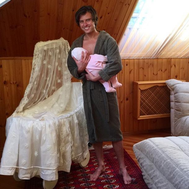 Прохор Шаляпин опубликовал фото с куклой?