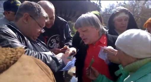 Псевдошахтерам раздали деньги за участие в митинге (ВИДЕО)