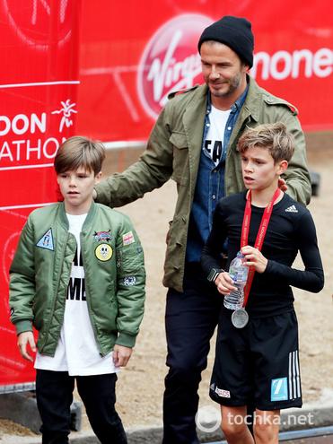 Сын Дэвида Бэкхема принял участие в марафоне