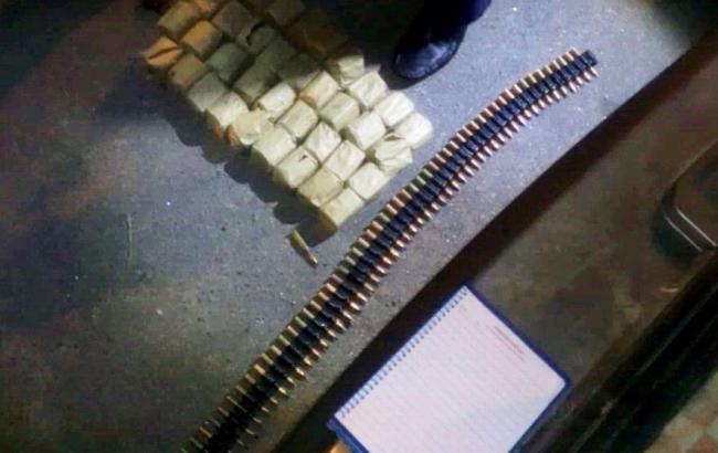 ГАИшники обнаружили арсенал взрывчатки у нервного водителя