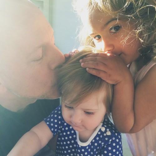 Жена Брюса Уиллиса показала их годовалую дочь Эвелину