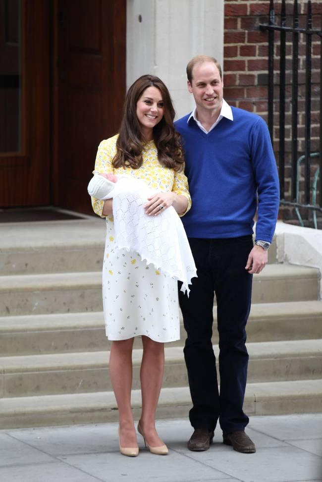 Сын Кейт Миддлтон и принца Уильяма в восторге от сестрички