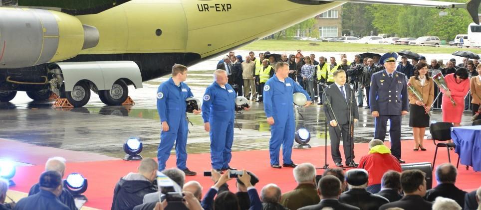 ФОТО: Новый транспортник Ан-178 совершил свой первый перелет