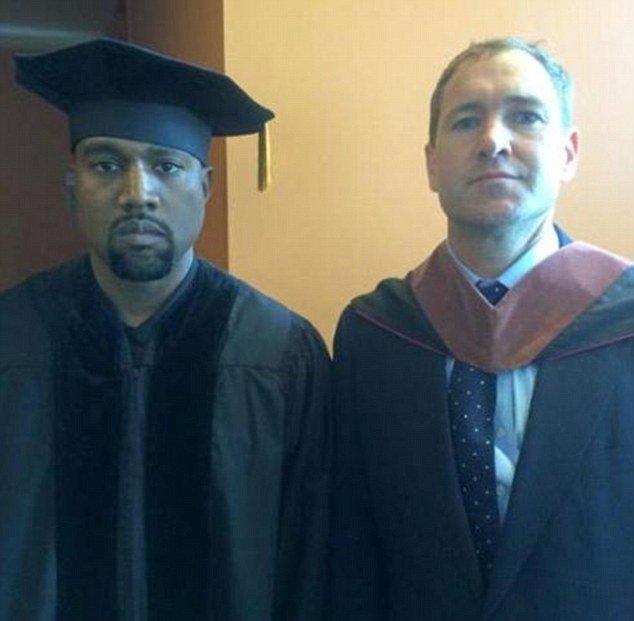 Канье Уэст получил докторскую степень