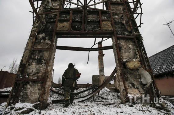 ФОТО: Боевики ДНР в уничтоженном Углегорске