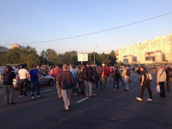 """ФОТО: Произошла массовая драка на """"Осокорках"""" в Киеве"""