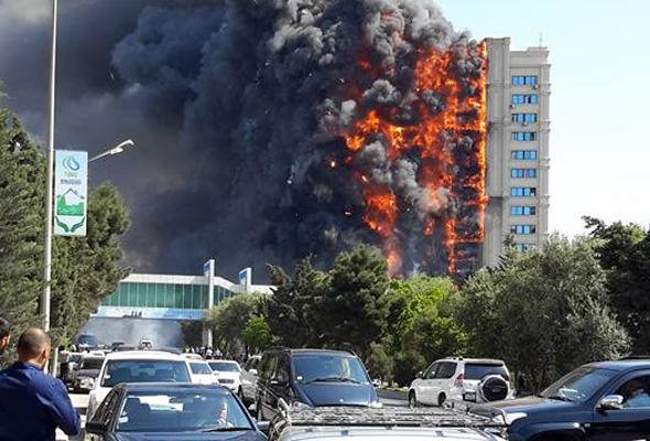 Пожар в жилом доме в Баку унес 16 жизней (ФОТО, ВИДЕО)