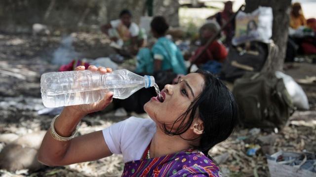 Аномальная жара в Индии уже унесла 1800 жизней
