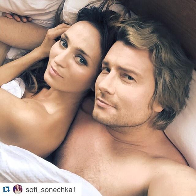 Николай Басков показал себя в постели с невестой (фото)