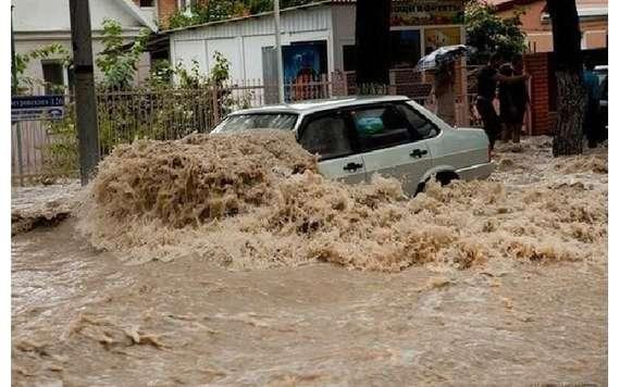 ФОТО, ВИДЕО: Страшный потоп в Сочи, объявлен режим ЧС