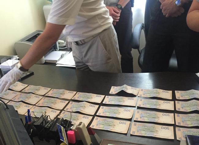 ФОТО: На взятке попался прокурор, которого тягал Сашко Билый