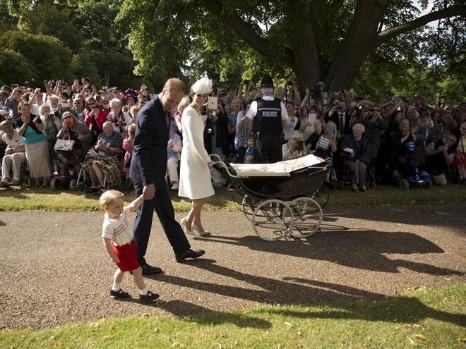 Кейт Миддлтон крестила дочь Шарлотту