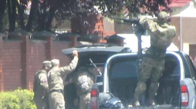 ВИДЕО: Оперативное видео начала конфликта в Мукачево