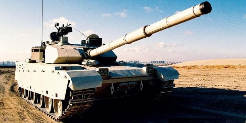 Российский танк «Армата» подвергся критике западных СМИ