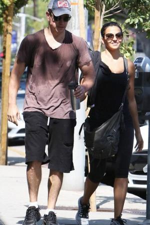 Мэтт Дэймон с супругой после тренировки