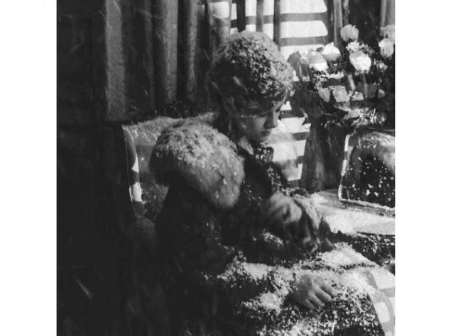 Рената Литвинова вместе с дочкой побывают в прошлом веке