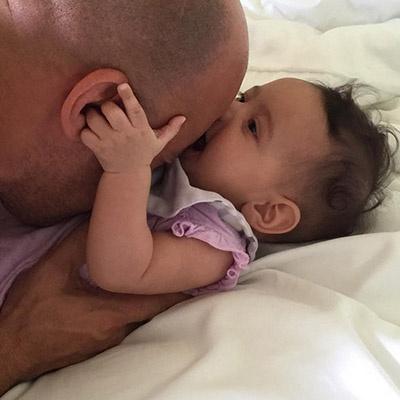 Вин Дизель поделилась фото с новорожденной дочкой