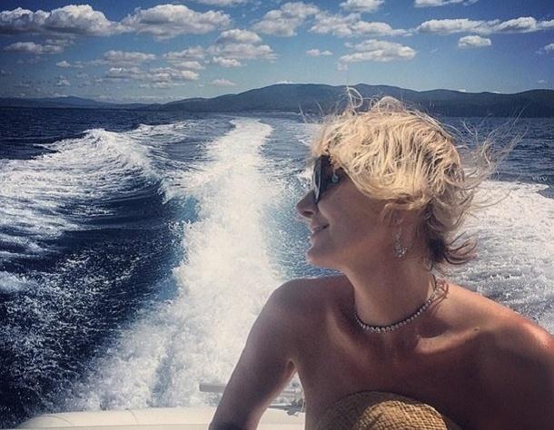 Рената Литвинова в бриллиантах покорила Instagram